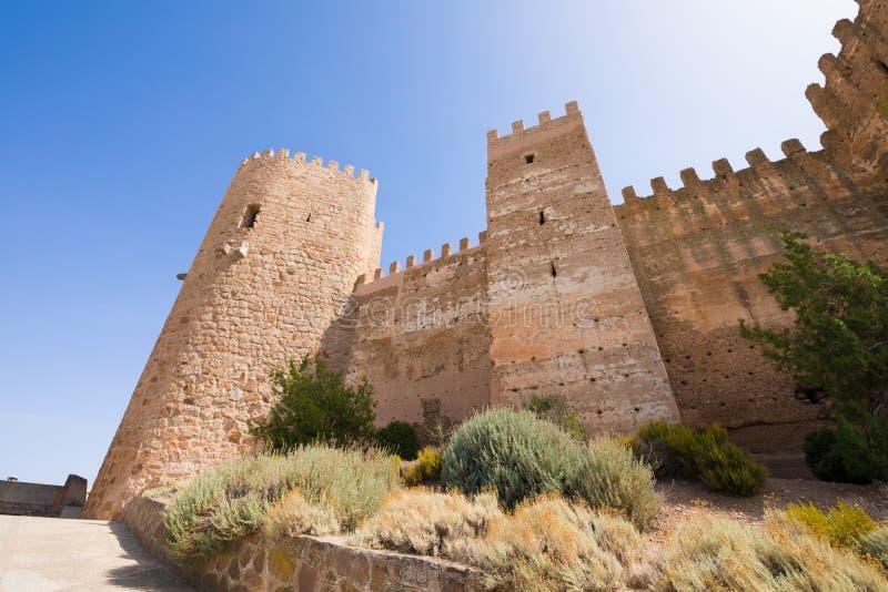 Torn av den Burgalimar slotten i Banos de la Encina arkivfoto