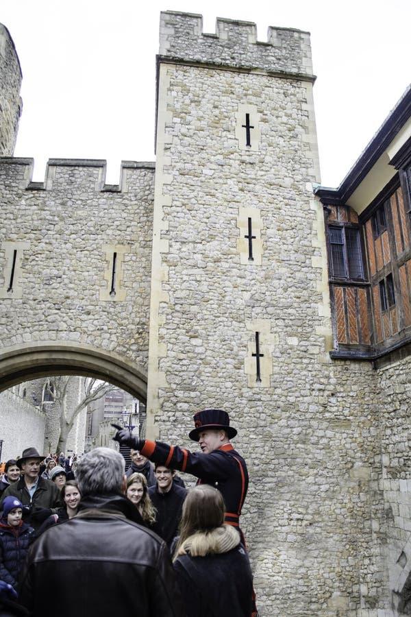 Torn av den London beefeateren royaltyfri bild