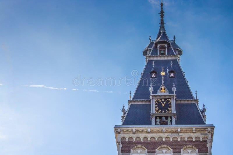 Torn av en kyrka i Amsterdam Nederländerna arkivbilder