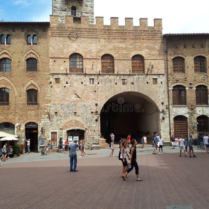 Torn av San Gimignano, San Gimignano, arkitektur, byggnad, fasad, oscilloskop, räckvidd, katod-Ray oscilloskop, CRO royaltyfri foto