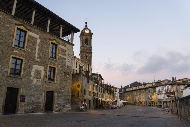 Torn av Sten Vincent martyrkyrkan, Vitoria-Gasteiz, baskiskt land, Spanien arkivbilder