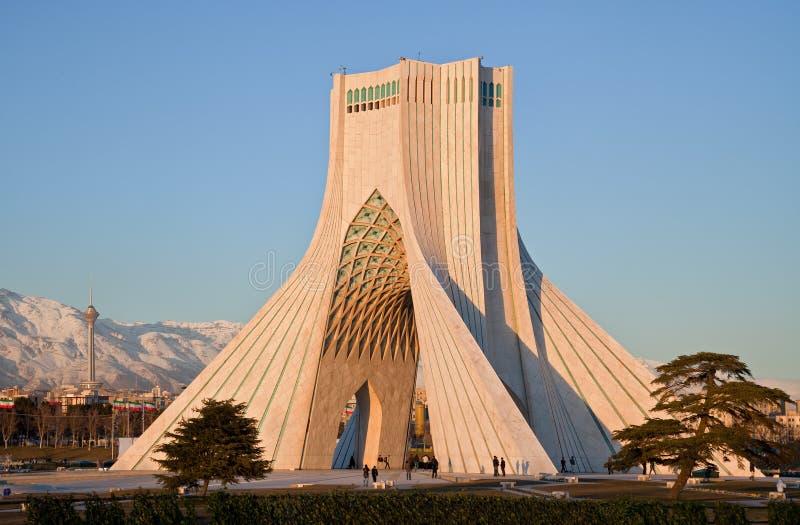 torn för azadimiladmonument royaltyfri foto