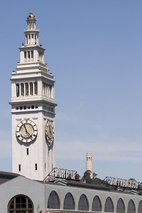 torn för byggnadscoitfärja royaltyfri fotografi