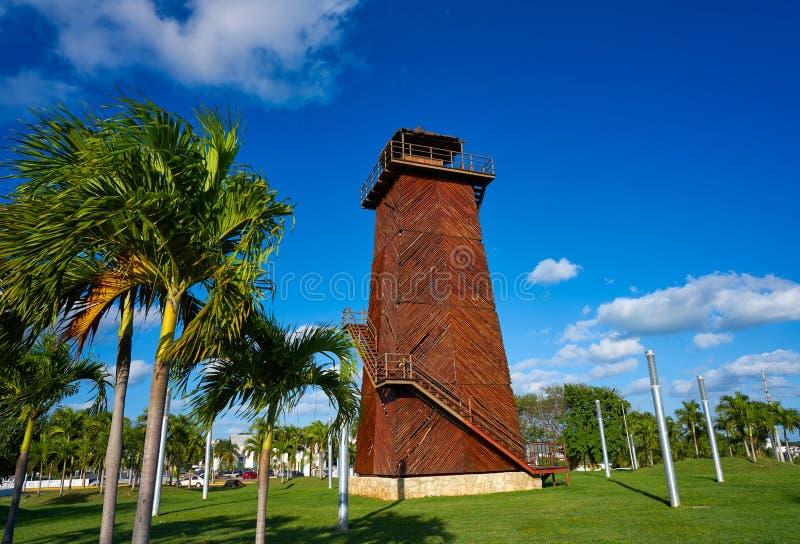 Torn för Cancun gammalt flygplatskontroll Mexico arkivbild
