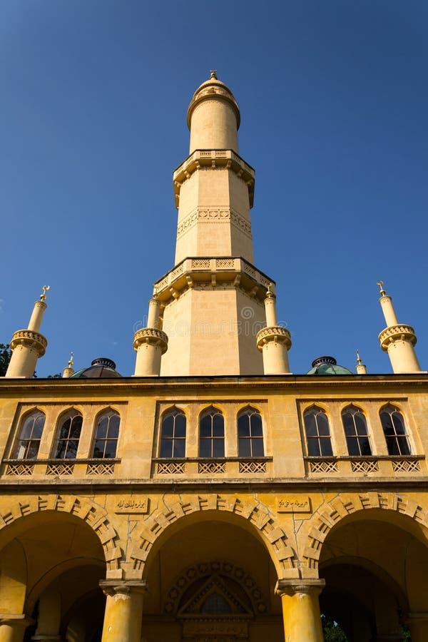 Torn för Lednice minaretutkik i Lednice Valtice område, Tjeckien royaltyfri foto