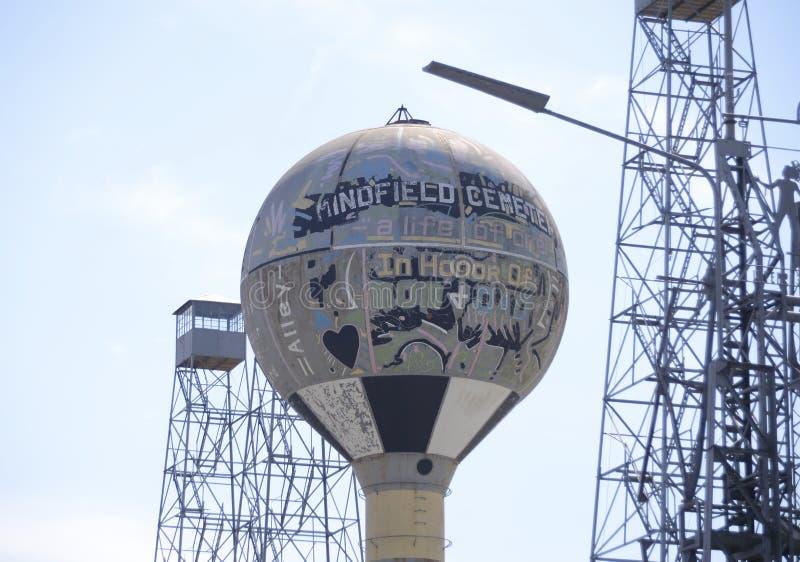 Torn för Mindfield gallervatten, Brownsville, Tennessee royaltyfria bilder