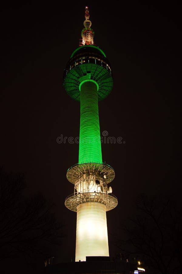 Torn för N Seoul på natten, Seoul, Korea royaltyfri fotografi