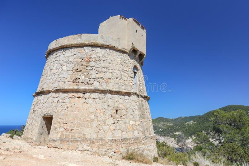 Torn för Torre des-kindtand, Ibiza ö royaltyfria bilder