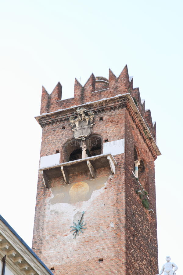 Torn i Verona arkivfoton