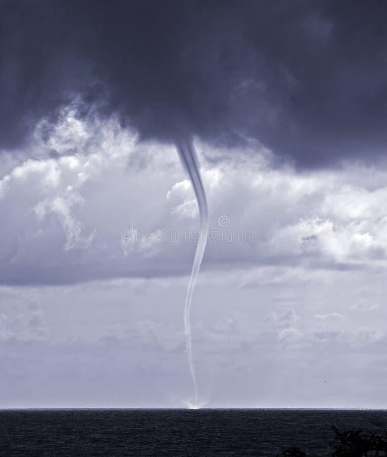 Tornado lizenzfreie stockfotos