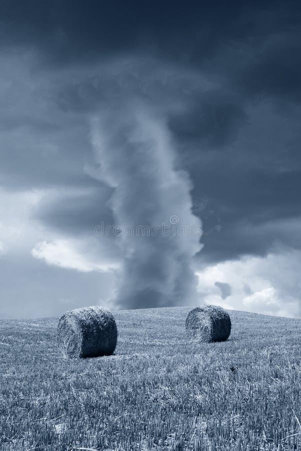 Tornado fotografía de archivo libre de regalías
