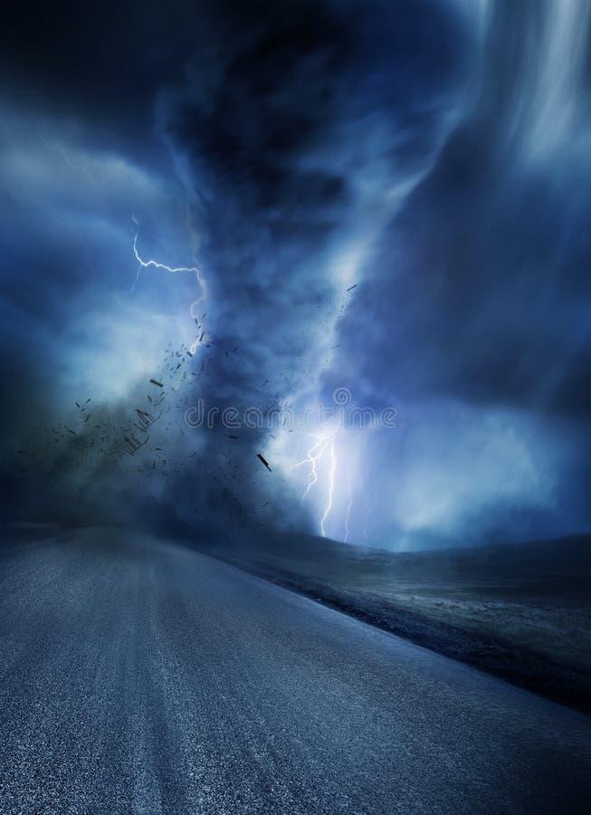 Tornado potente stock de ilustración