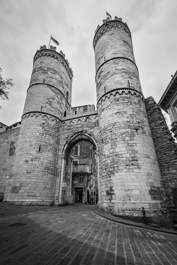 Tornen på den Soprana porten eller den Porta di Sant `en Andrew en av t royaltyfria foton