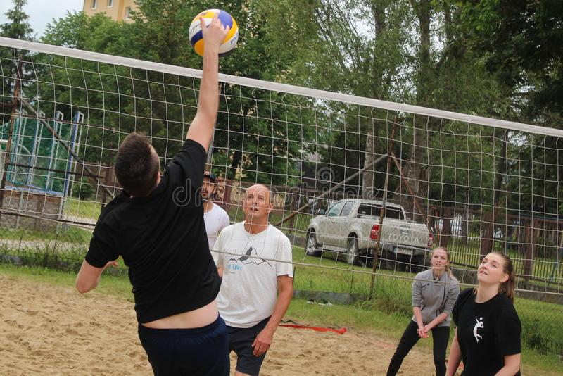 Torneo di beach volley in Rajec, Slovacchia fotografia stock