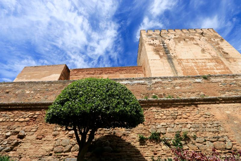 Tornet av Alcazaba, Alhambra royaltyfri foto