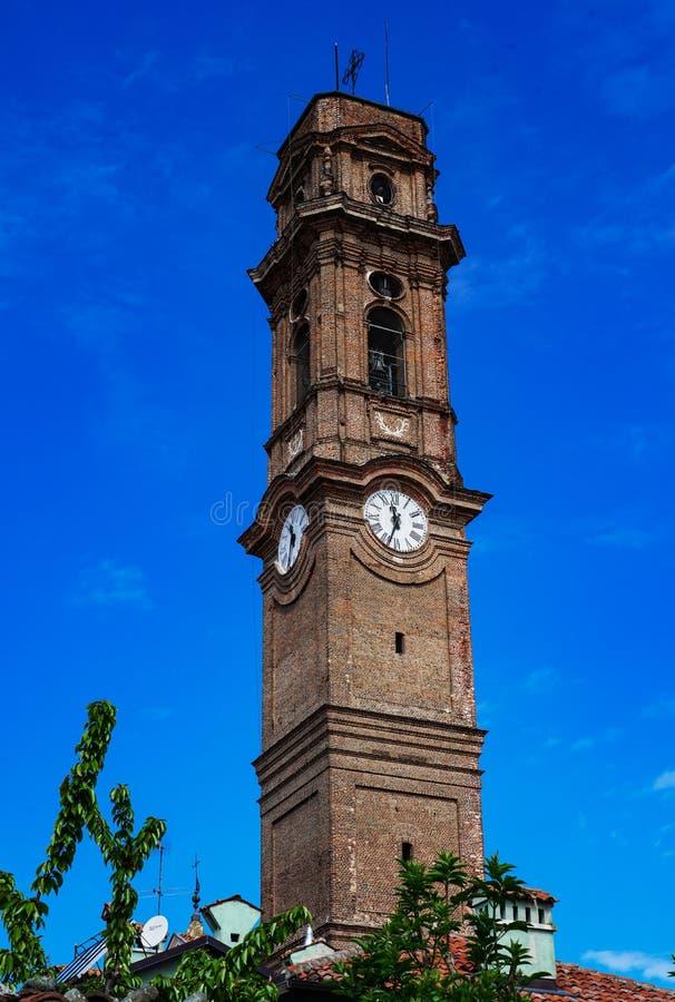 Tornet av kyrkan av San Maurizio Canavese fotografering för bildbyråer
