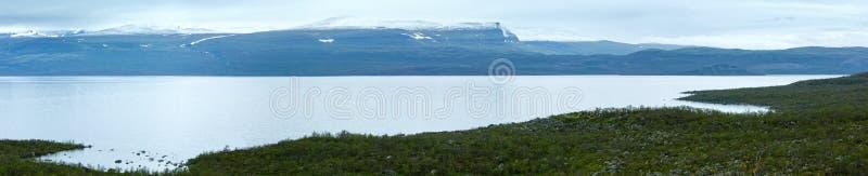 Tornetrask lata jeziorny widok Lapland, Szwecja (,) obrazy stock
