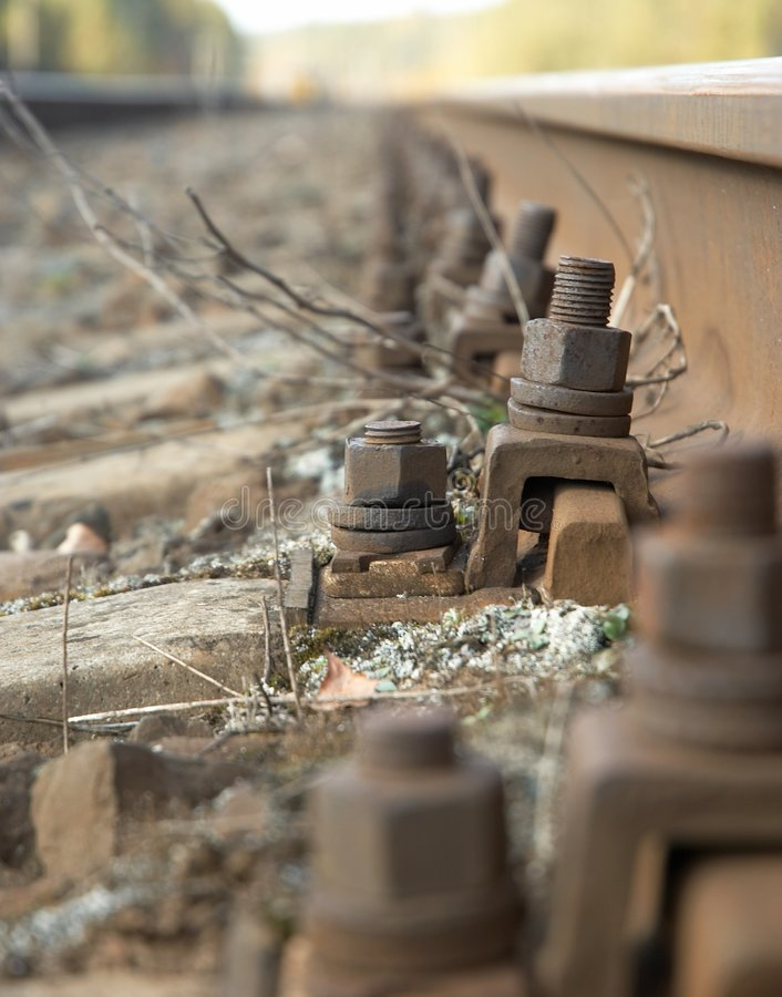 Tornillo de pista ferroviaria fotos de archivo libres de regalías