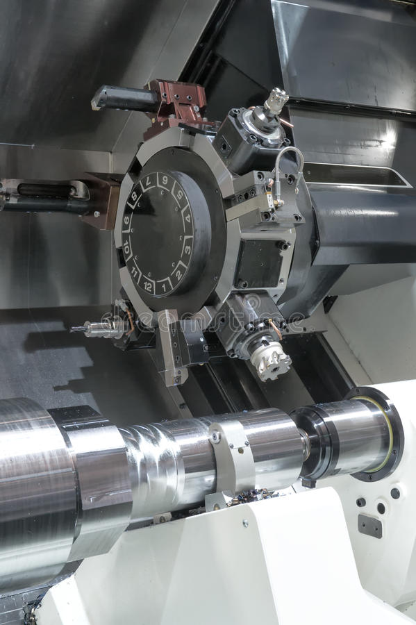 Tornio, fresatura di CNC fotografia stock libera da diritti