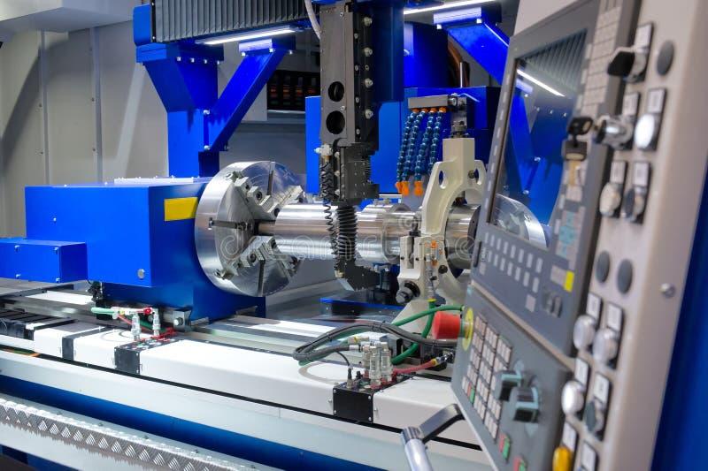Torno, el moler del CNC imagen de archivo libre de regalías