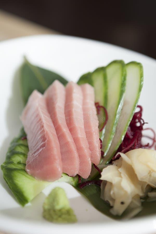 Toro Tuna Sushi Plated Sashimi Style med garnering royaltyfria bilder