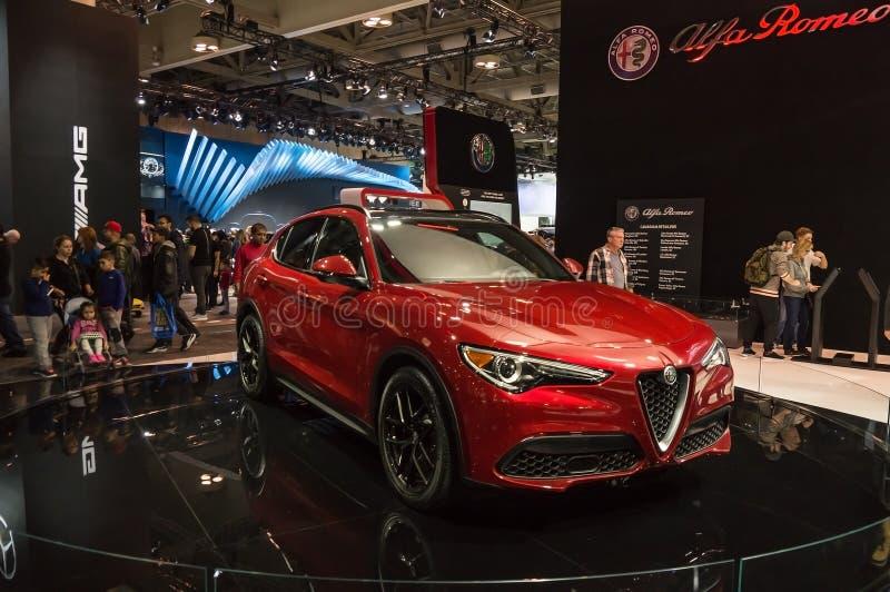 Toronto, Canadá - 2018-02-19: Alfa 2018 novo Romeo Stelvio SUV superior indicado no alfa Romeo Automobiles S P A foto de stock