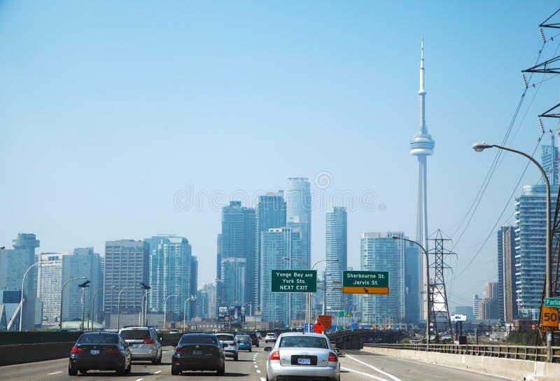 TORONTO, CANADÁ - 6 DE SETEMBRO DE 2015: Toronto Estrada de Gardiner foto de stock royalty free
