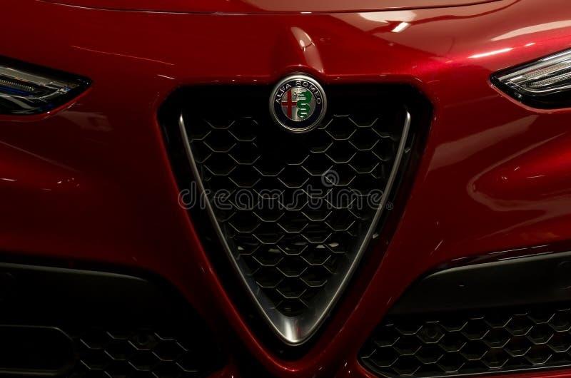 Toronto, Canadá - 2018-02-19: Grade lindo do alfa 2018 novo Romeo Stelvio SUV superior indicado em Alfa Romeo foto de stock royalty free