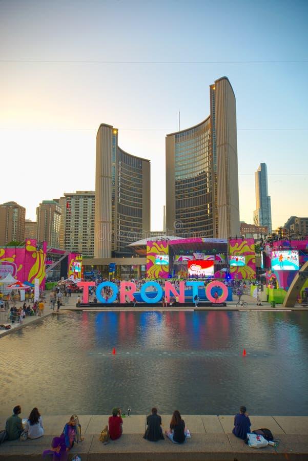 TORONTO, CANADA-JULY 9,2015: Nuova Toronto firma dentro Nathan Phill immagini stock libere da diritti