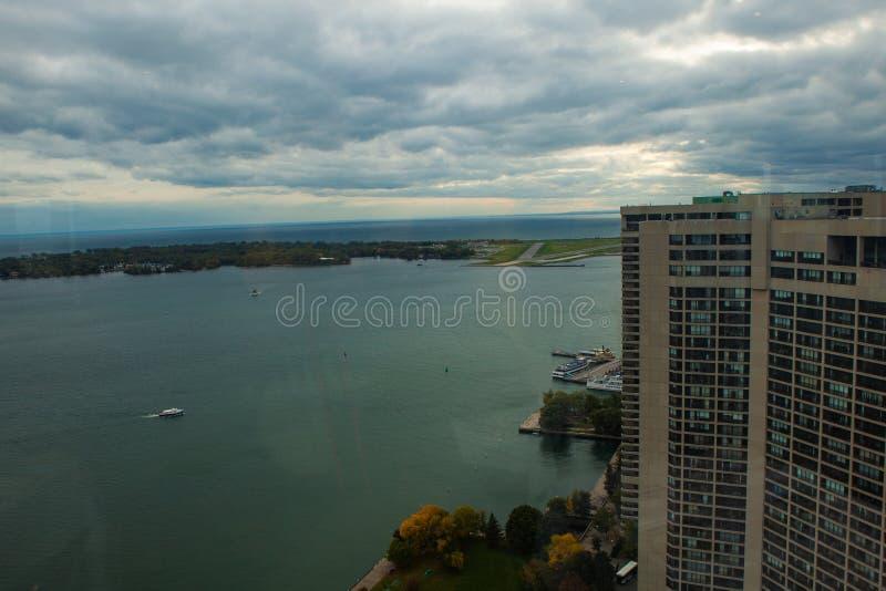 Toronto, CANADA - 10 novembre 2018: Ontario riviera a Toronto occupata fotografie stock