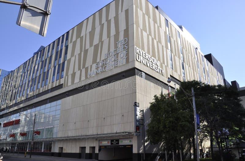 Toronto, el 24 de junio: Universidad de Ryerson de Toronto de la provincia de Ontario en Canadá imagen de archivo libre de regalías