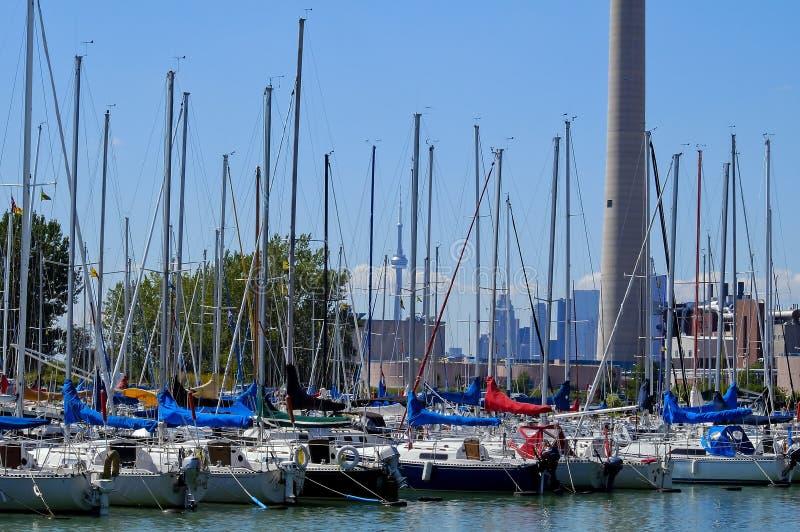 Toronto-Jachthafen-Segelboote stockbilder