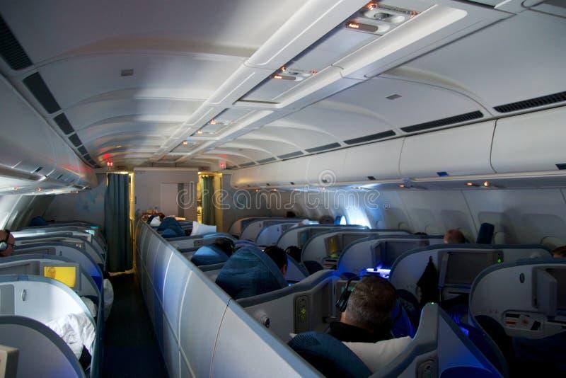 TORONTO KANADA, JAN, - 21st, 2017: Air Canada klasy business siedzenia wśrodku Air Canada Aerobus A330 na mój sposobie od Monachi fotografia stock