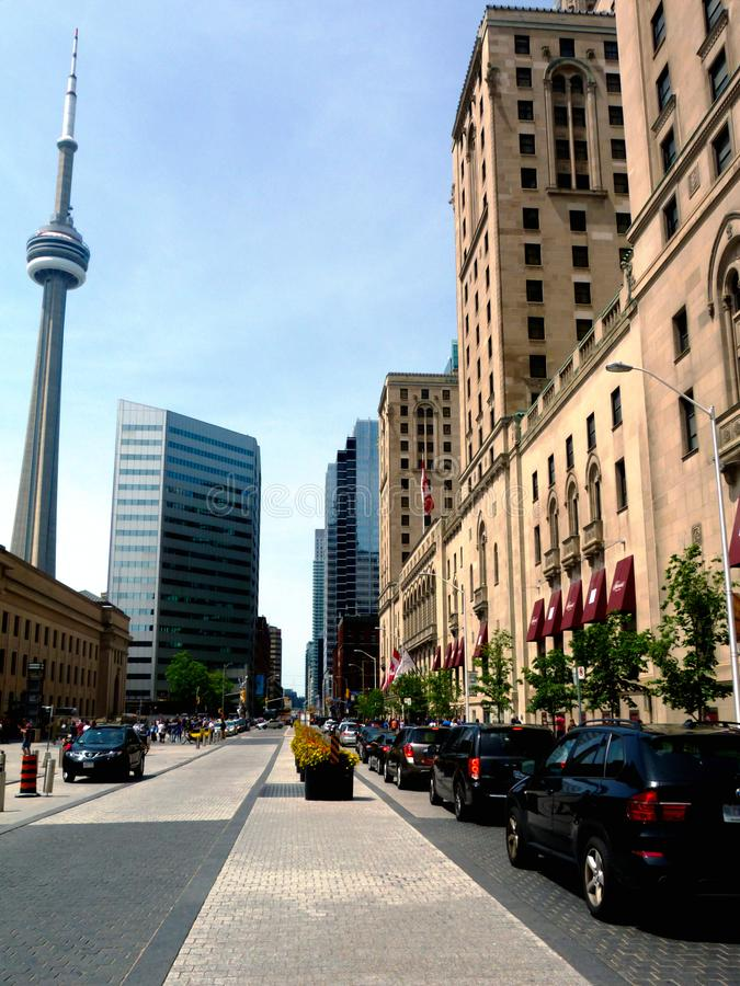 Toronto, klasyczny stary kamienny hotelowy budynek i nowożytni biura, zdjęcia stock