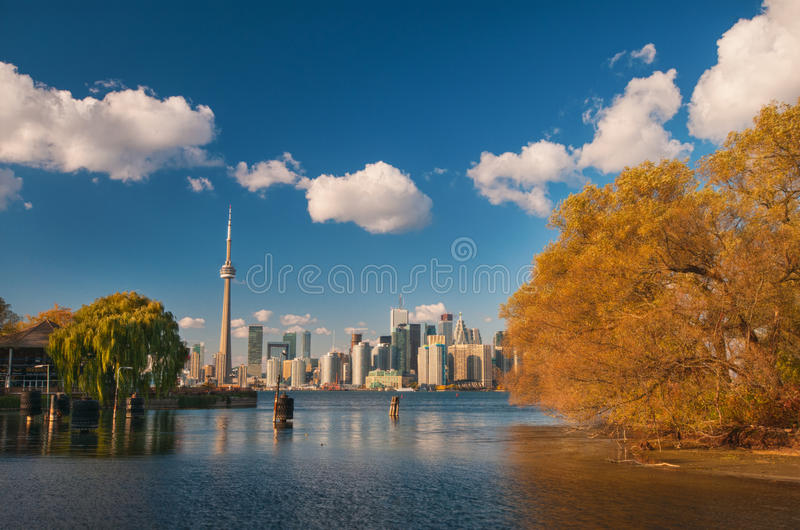 Toronto linia horyzontu przy spadkiem obrazy royalty free