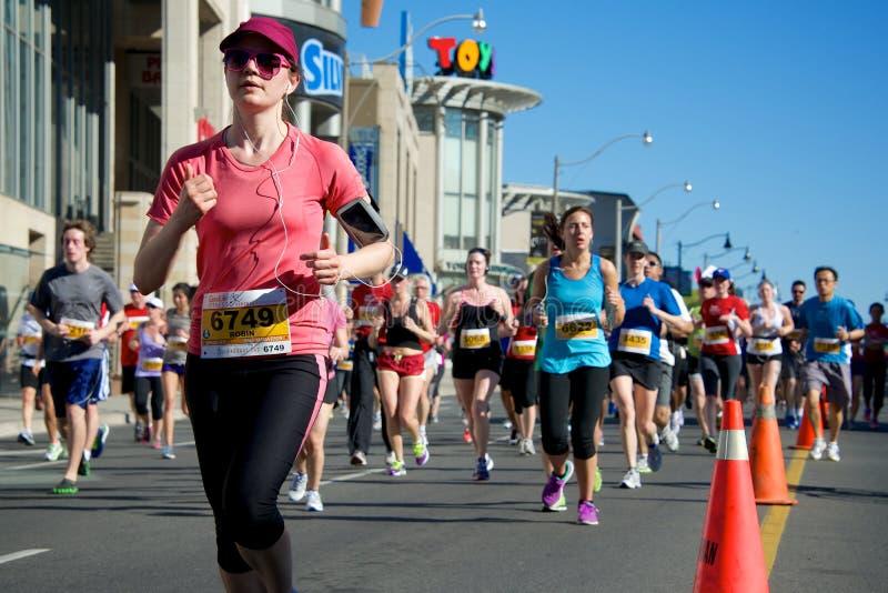 Download Toronto Marathon editorial image. Image of toronto, crowd - 30806660