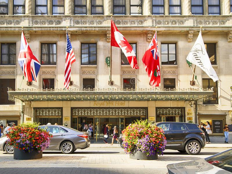 TORONTO, ONTÁRIO - 31 DE AGOSTO: Uma vista do hotel real de York em Toronto do centro, Ontário, Canadá fotografia de stock