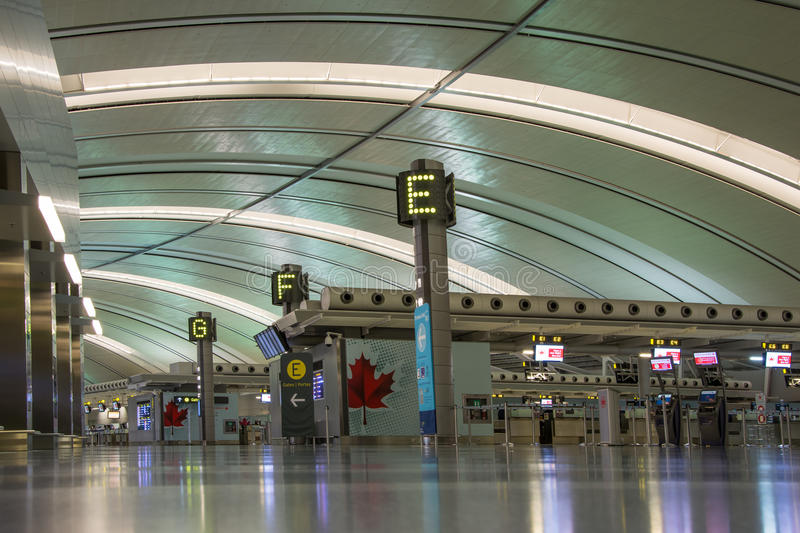 Download Toronto Pearson International Airport Editorial Photo - Image: 33782296