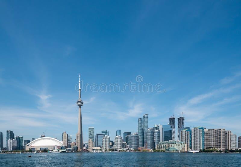 Toronto pejzażu miejskiego widok od Ontario jeziora zdjęcia royalty free