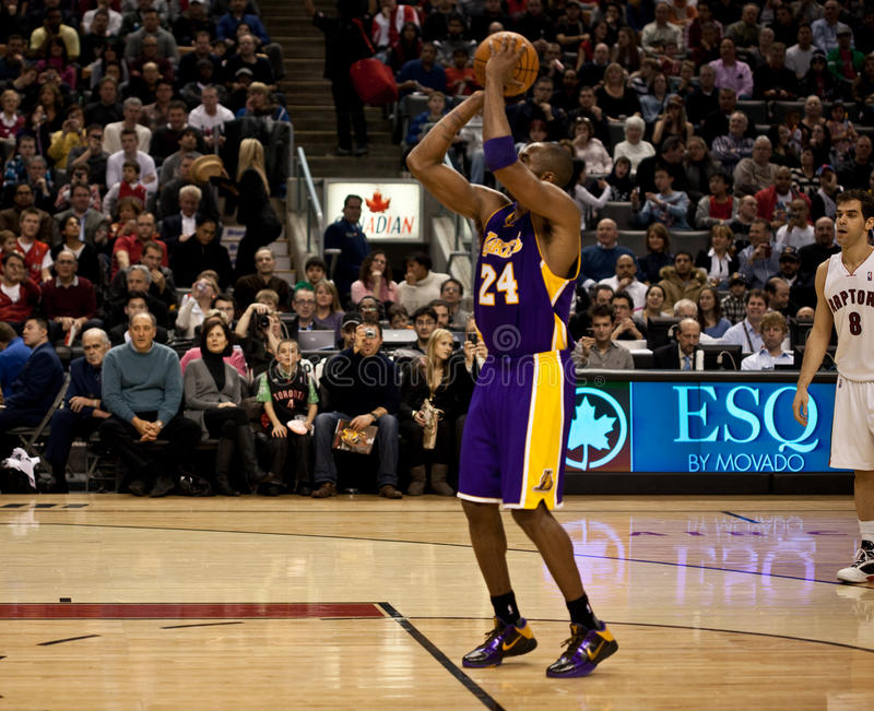 Toronto Rapters contra Los Angeles Lakers fotos de stock