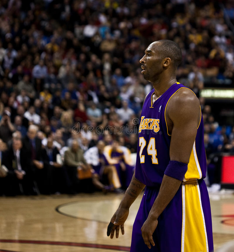Toronto Rapters contre Los Angeles Lakers photo libre de droits