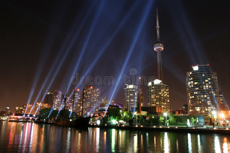 Download Toronto Skyline editorial photography. Image of display - 4973367