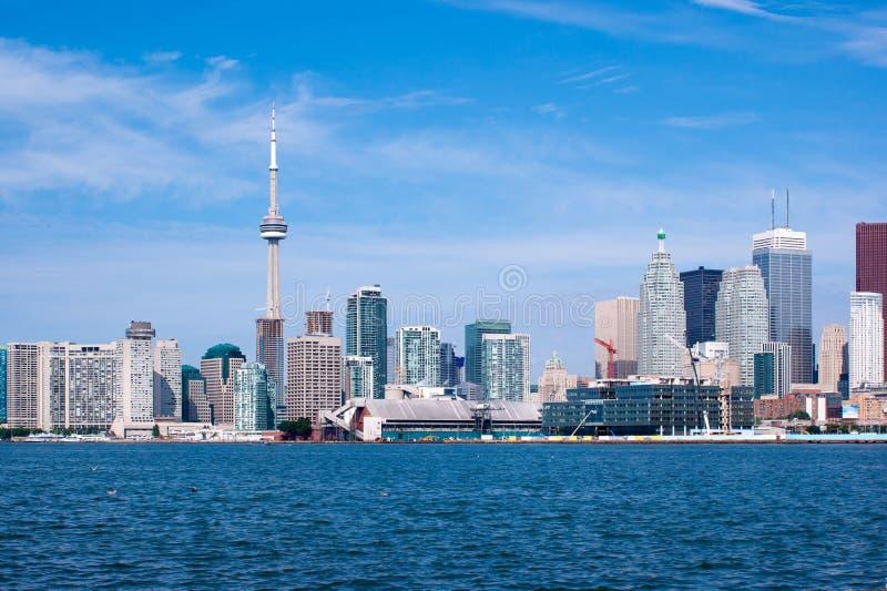 Toronto-Skyline unter einem klaren Himmel lizenzfreies stockfoto