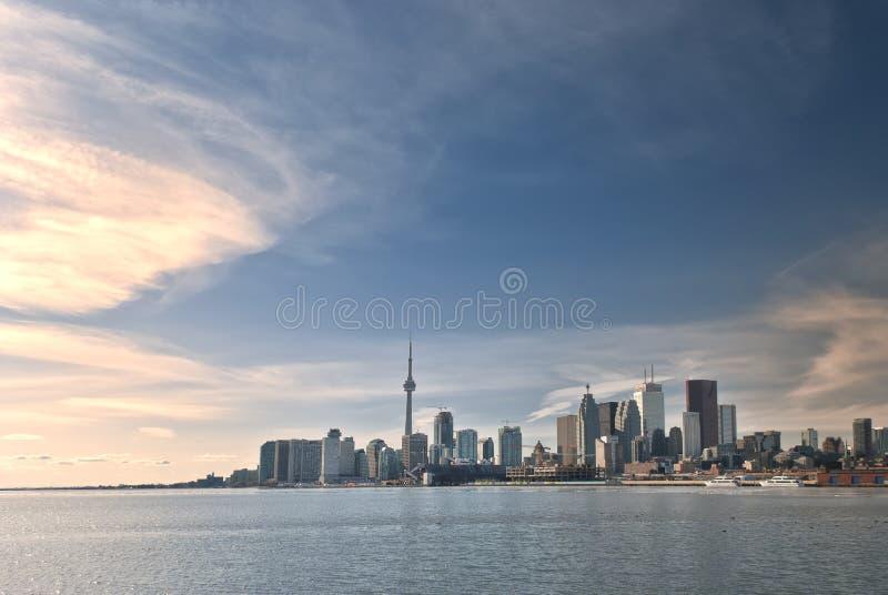 Toronto-Skyline während der Tageszeit stockbilder
