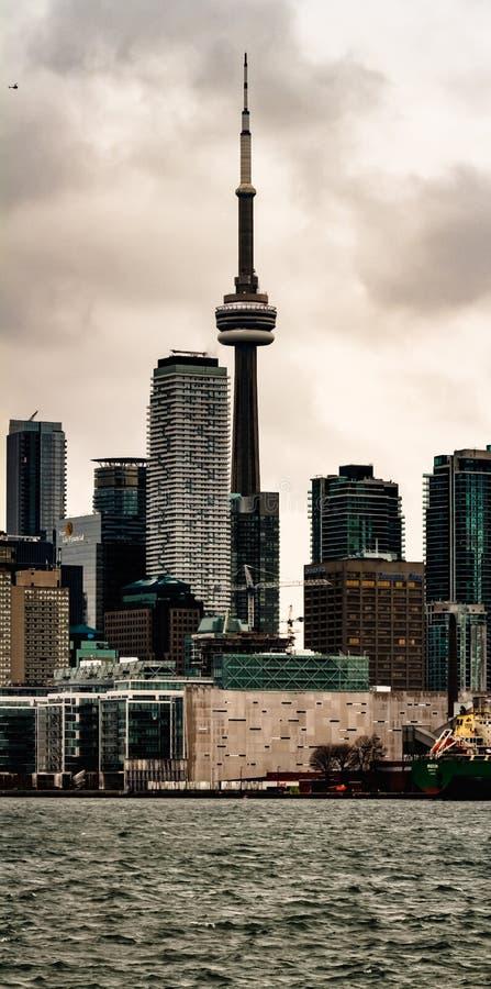 Toronto torn, en sikt från ön, Ontario, Kanada arkivbild