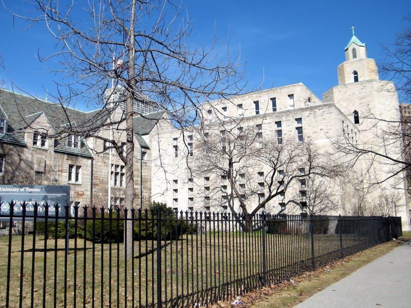Toronto universitet Carr Hall 2010 royaltyfri foto