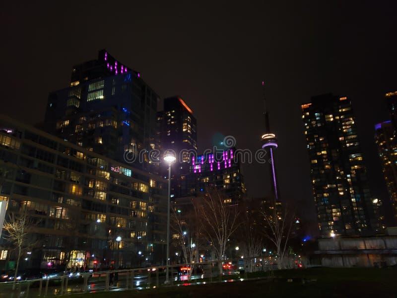 Toronto& x27; vista nocturna de s foto de archivo