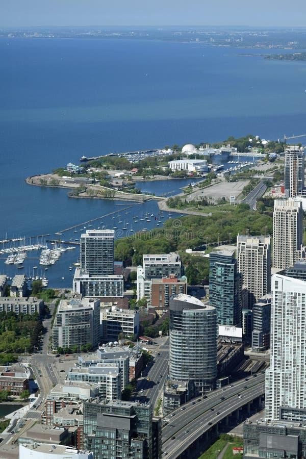 Toronto y el lago Ontario, Canadá de la torre del NC foto de archivo libre de regalías