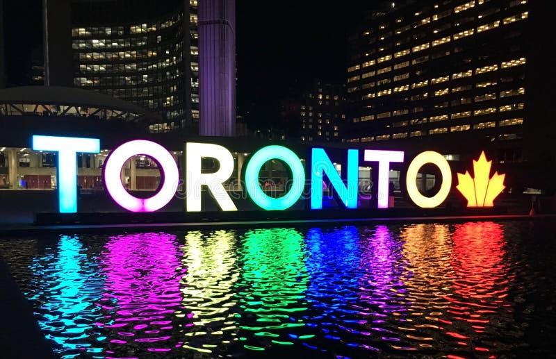 Toronto znak przy nathan Phillips kwadratem zdjęcie stock