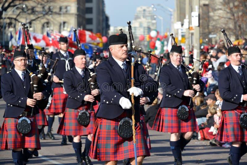 Torontos 108. Weihnachtsmann-Parade stockfoto